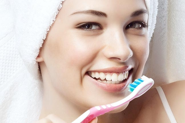 Brushing-Dental-Care